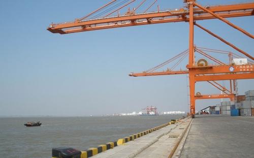 钦州10万吨级航道扩建工程